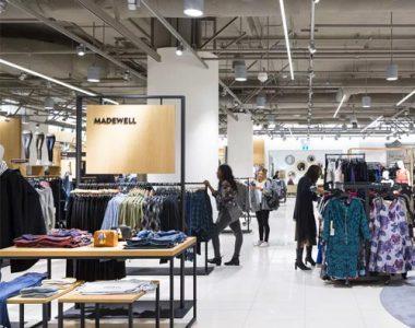 Brand-Stores-Racks